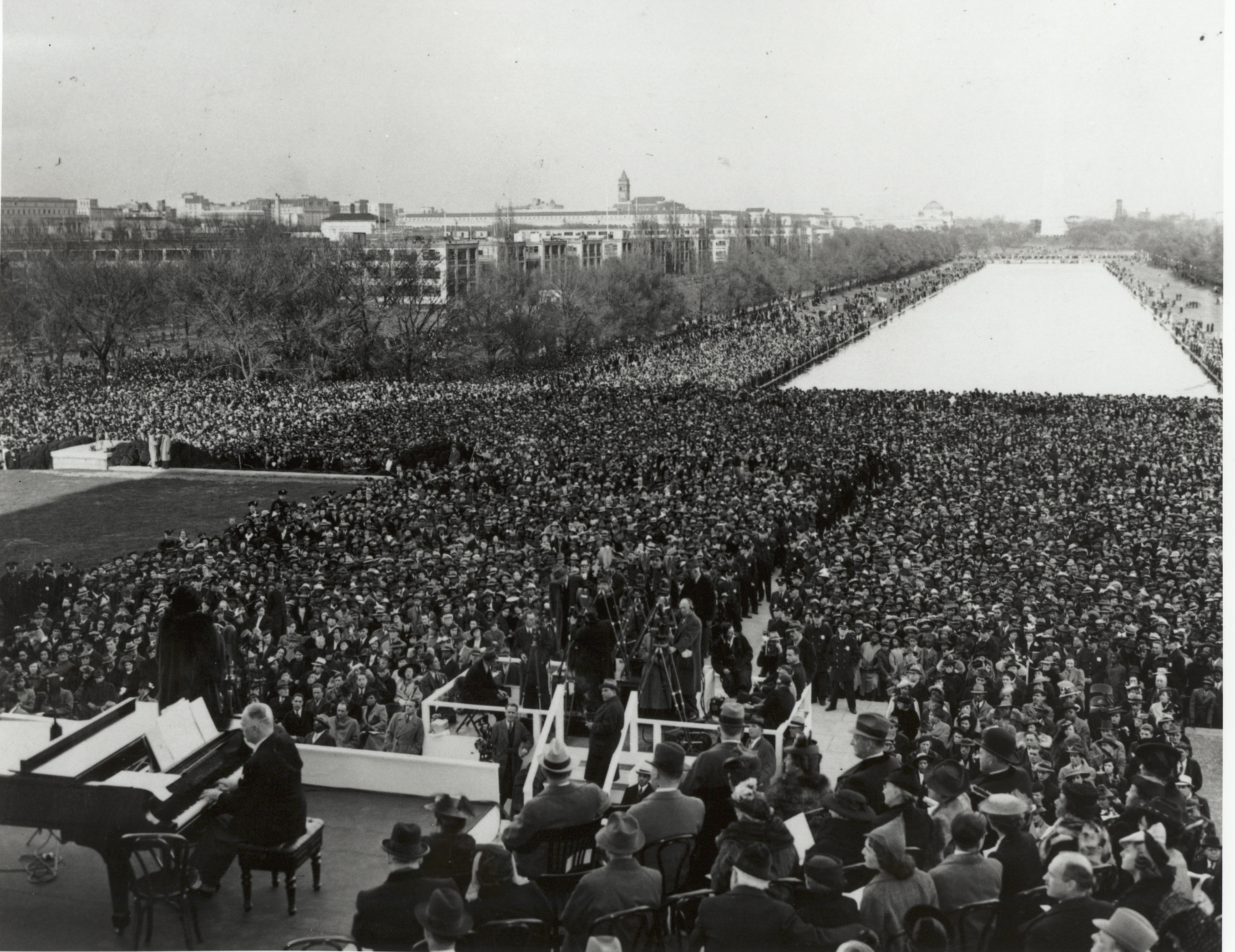 Image result for marian anderson open air concert at the lincoln memorial in 1939